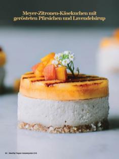 Rezept - Meyer-Zitronen-Käsekuchen mit gerösteten Pfirsichen und Lavendelsirup - Healthy Vegan Sonderheft - Sommerspecial