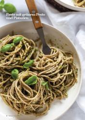 Rezept - Pasta mit grünem Pesto und Pistazien - Vegan Food & Living – 03/2020
