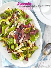 Rezept - Avocadosalat mit Hähnchen und Heidelbeer-Balsamico-Dressing - Simply Kochen Sonderheft Sommerrezepte 01/2020