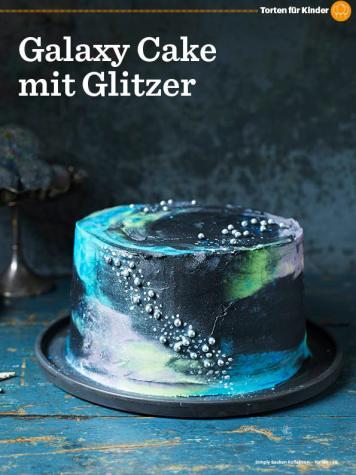 Rezept-Galaxy-Cake-mit-Glitzer-Simply-Backen-Kollektion-Torten-Kuchen-0121