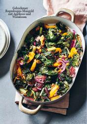 Rezept - Gebackener Regenbogen-Mangold mit Aprikose und Walnüssen - Vegan Food & Living Kompakt – 01/2021