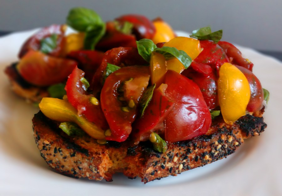 Tomatoes and Basil Bruschetta | simplyanchy.com