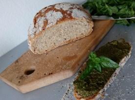 Spelt flour no-knead bread - simplyanchy.com