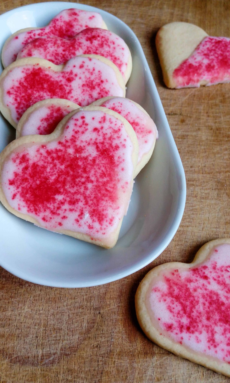 Searching for some Valentine's day ideas? Here is one simple recipe for Valentine's day sugar cookies! So easy to make, no chilling of the dough required, and so tasty and delicious. You should definitely give this recipe a try! | #valentinesday #sugarcookies #valentinessugarcookies | simplyanchy.com