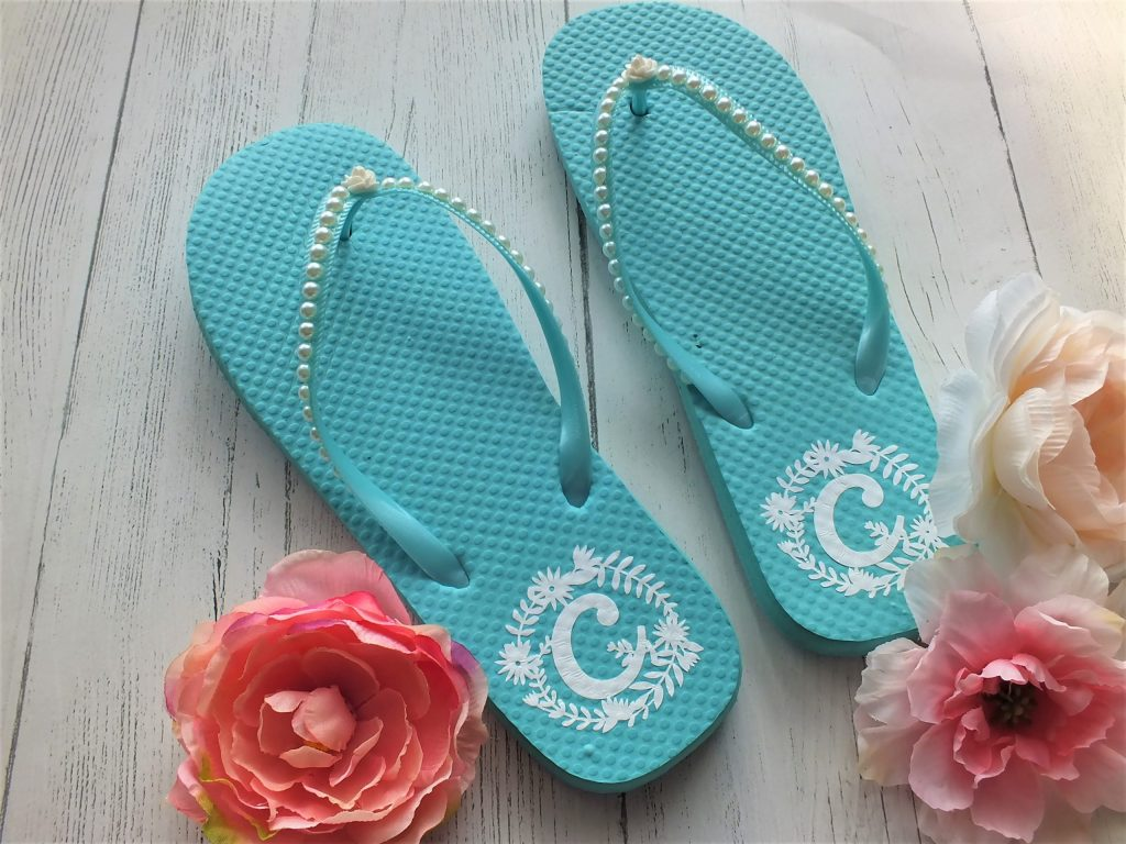 DIY Dollar Tree Flip Flops with Cricut