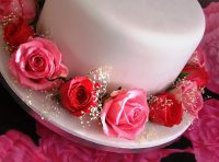 royal icing traditional wedding cake