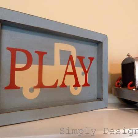 PLAY Shadow Box