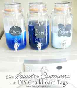 Mason Jar Laundry Soap Containers with DIY Chalkboard Tags | #laundryroom #homedecor #chalkboard