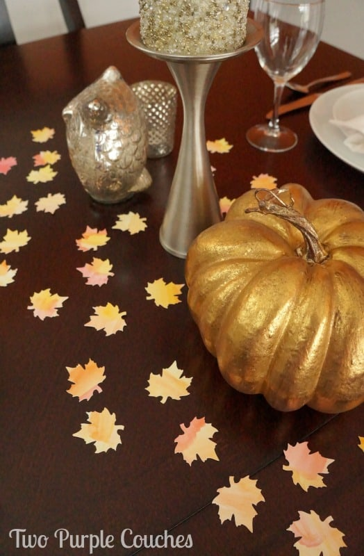 thanksgiving-table-scatter-two-purple-couches