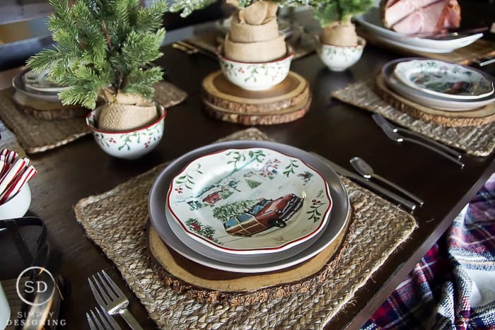 Holiday Table Settings farmhouse holiday table setting