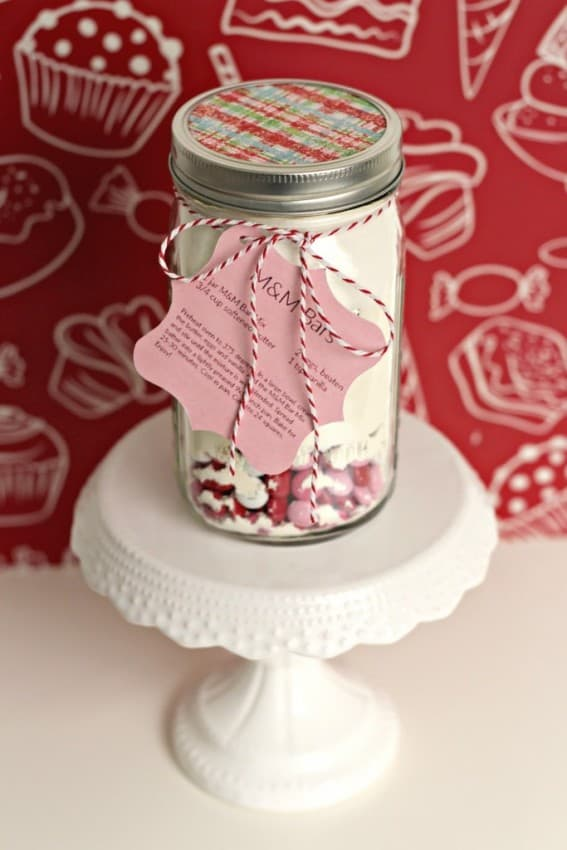 mm-cookie-bar-in-a-jar-with-gift-tag-683x1024