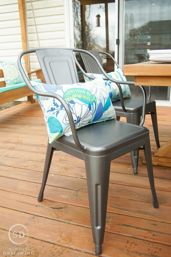 A Farmhouse Outdoor Living Space Update in Just a Few ... on Farmhouse Outdoor Living Space id=99550