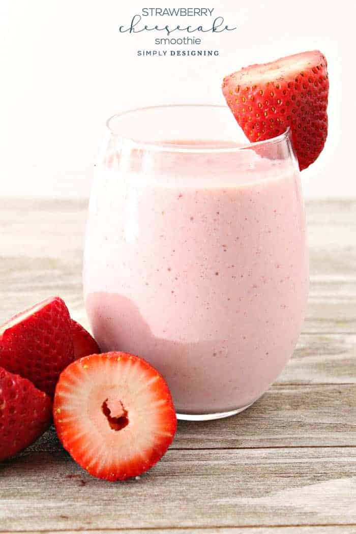 Strawberry Cheesecake Smoothie - this strawberry cheesecake smoothie recipe is easy to make and tastes scrumptious