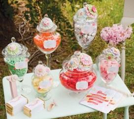 vintage-candy-dessert-table