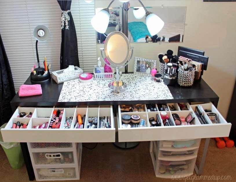 23+ DIY Makeup Room Ideas, Organizer, Storage and Decorating on Make Up Room Ideas  id=17397