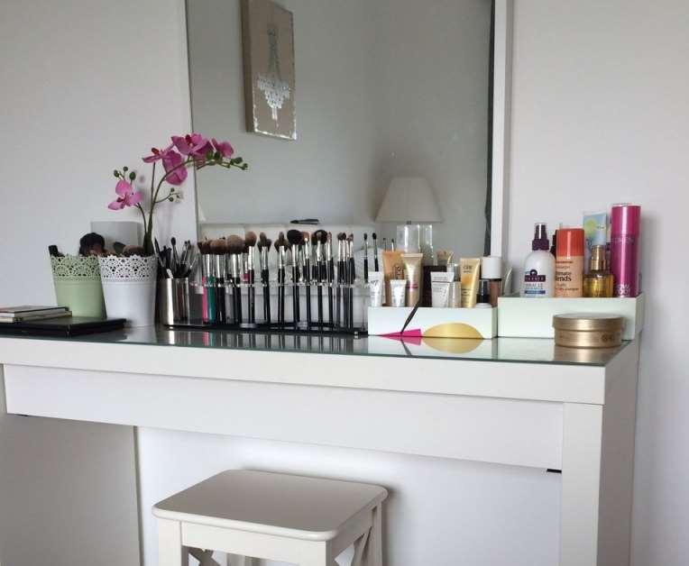 23+ DIY Makeup Room Ideas, Organizer, Storage and Decorating on Makeup Room Ideas  id=78059