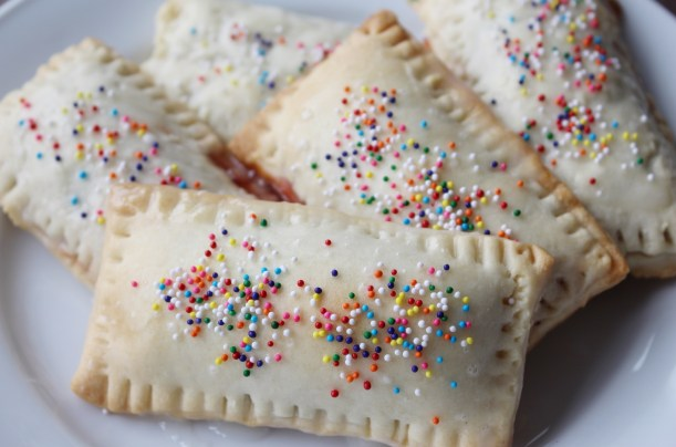 Homeade Strawberry PopTarts | SimplyJandK