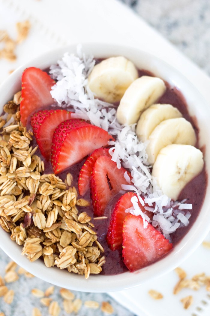 How to Make Your Own Acai Bowl