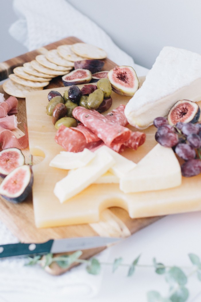 How To Create The Perfect Fall Cheese Platter