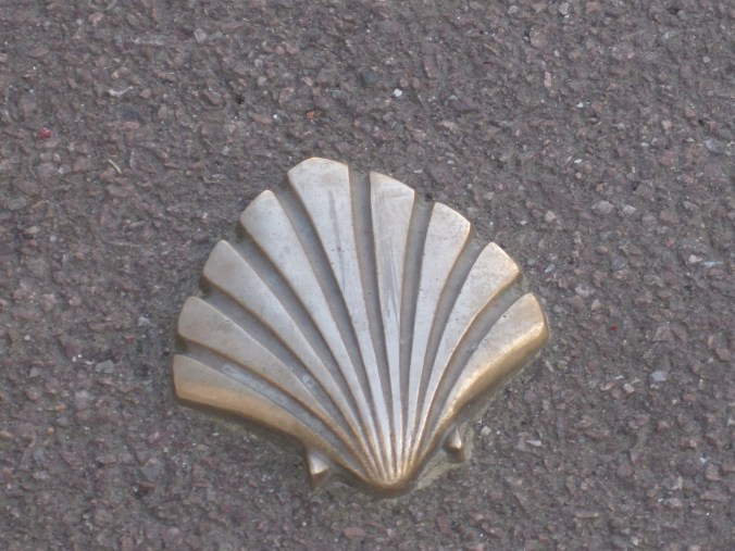 The shell as a trail marker in towns