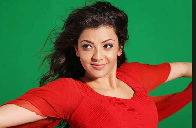 Only Kajal Aggarwal can bring you inner tempting desires when she wears Saree - See her new Clicks in Saree!