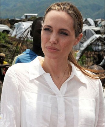 Angelina Jolie With Out Make Up 4