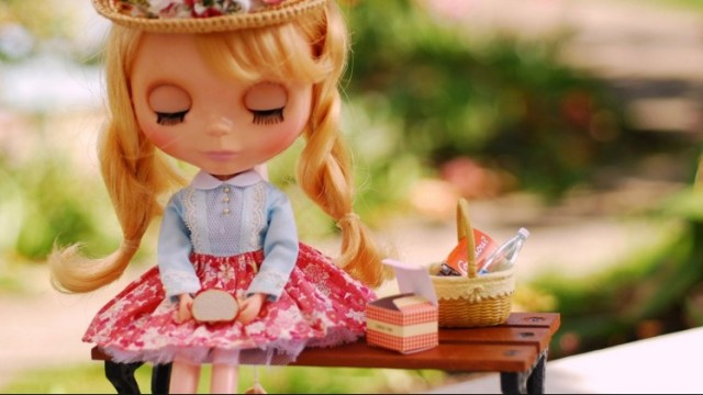 cute barbie doll with apple hd wall paper