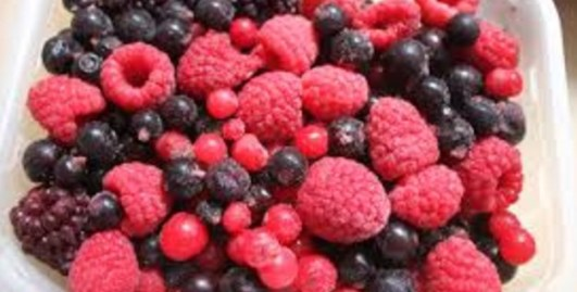 Mixed berries for snacks