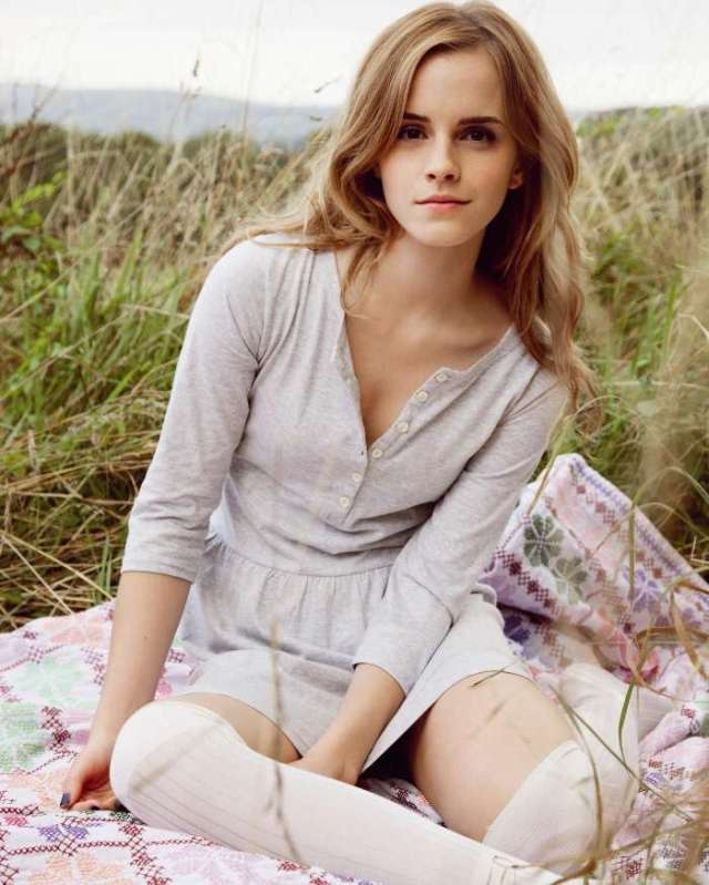 emma watson wall paper without make up
