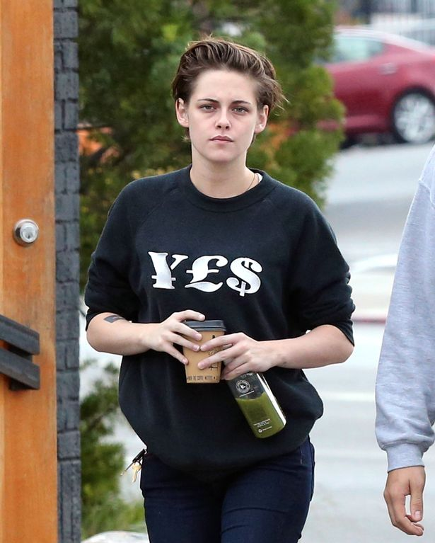 kristen stewart walkin and talking no mke up