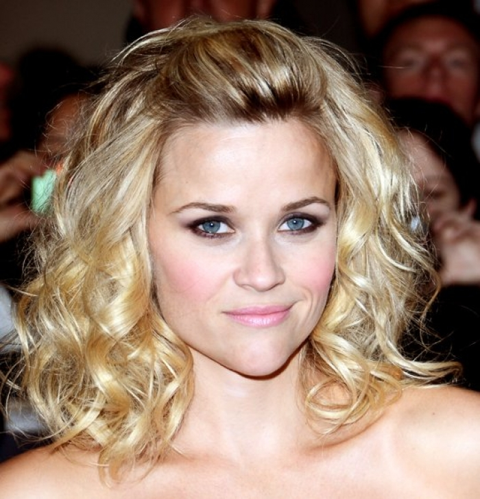 20+Fabulous Hairstyles For Medium And Shoulder length Hair For Women