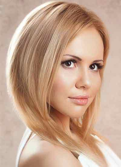 side partition hairstyle for shoulder length hairs