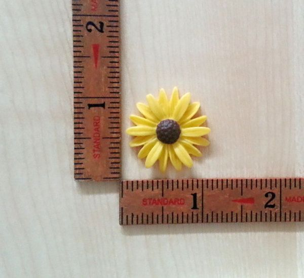 daisy silicone mold fondant chocolate cake decoration pop soap clay miniature simplymolds icing gum paste PMC
