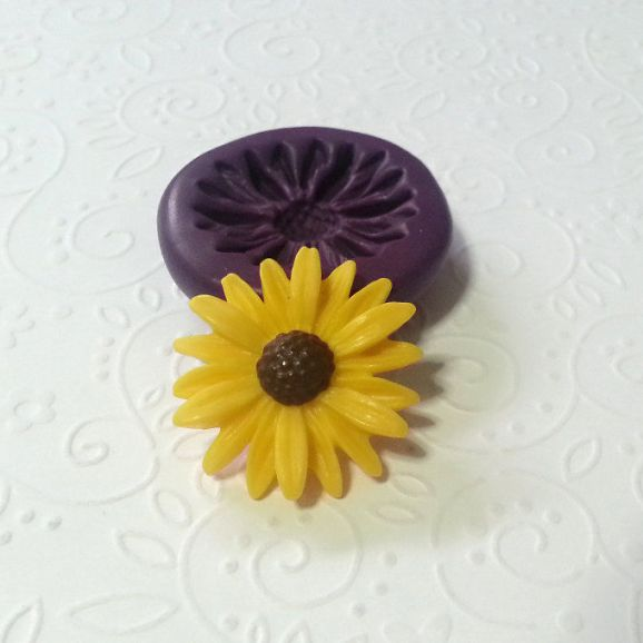 daisy flower silicone mold fondant chocolate cake decoration pop soap clay miniature simplymolds icing gum paste PMC