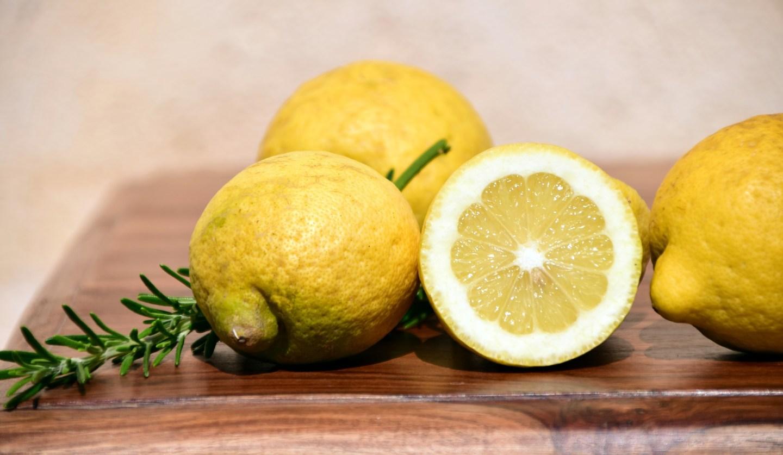 lemons-2252560_1920