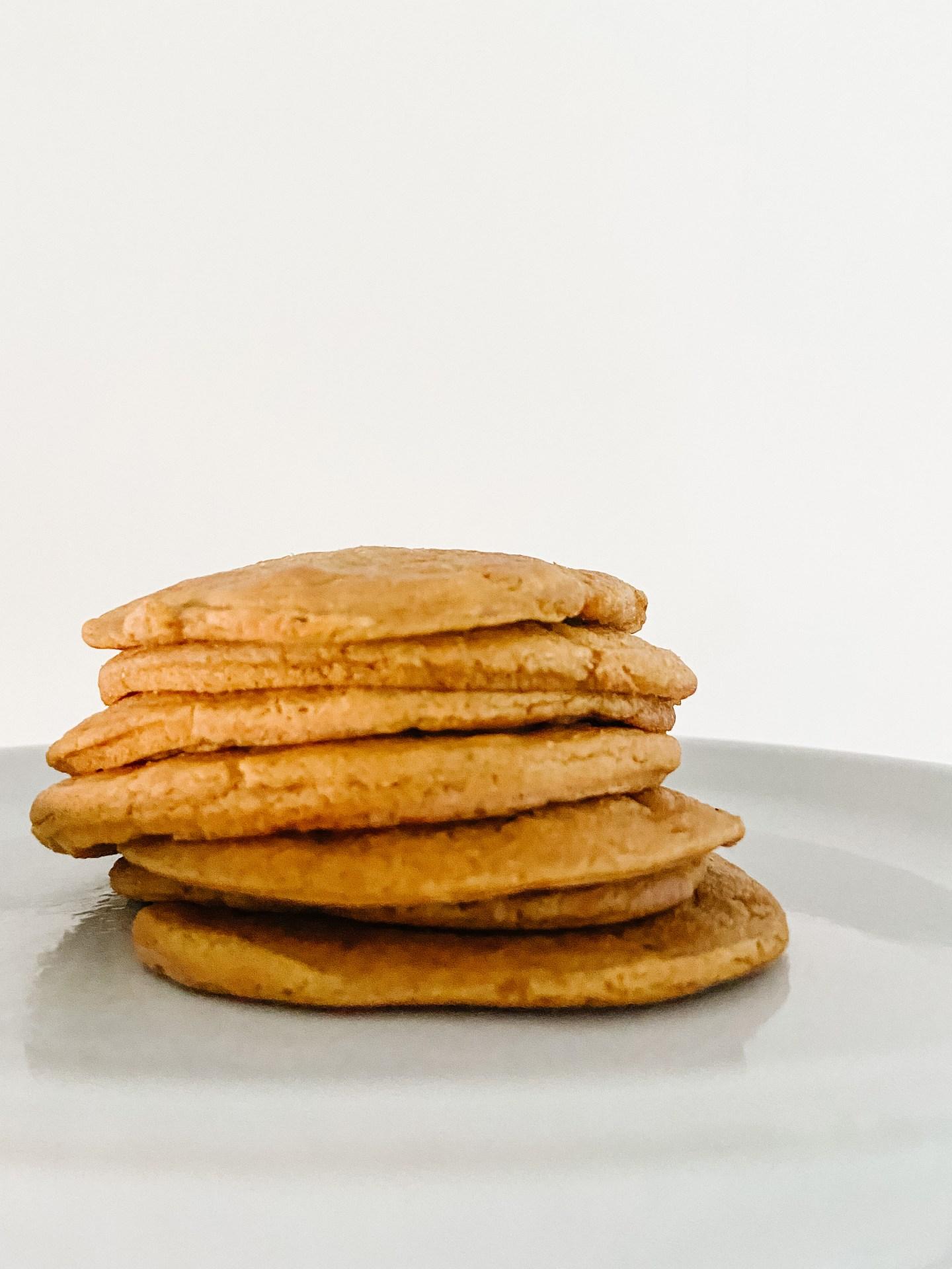 Pumpkin Spice Oat Pancakes