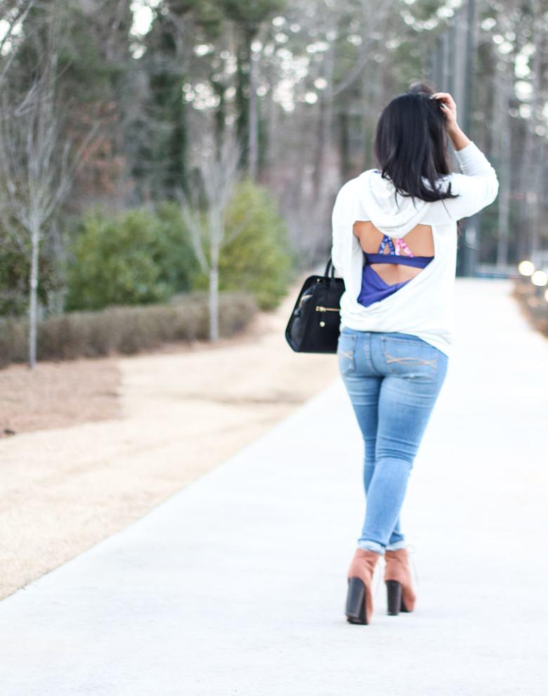 Athleisure, blogilates, popflex, popflex active, open back, cute workout clothes, cute workout outfit, ripped jeans, vera bradley cheetah bag, kendra scott bracelet
