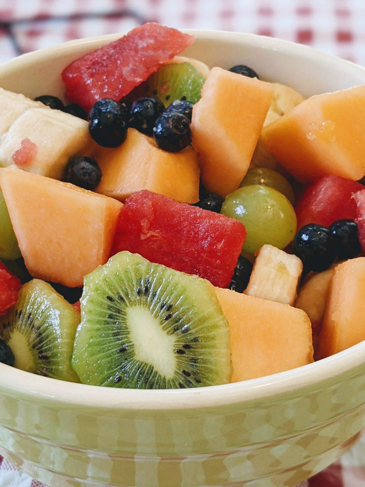 bowl of watermelon, blueberries, grapes, canteloupe, kiwi