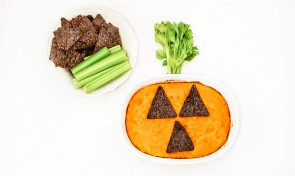 halloween dip recipe - pumpkin themeed