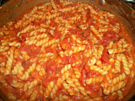 Spicy Vodka Sauce with Pasta