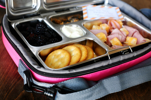 Lunches Made Easy // 7 Strategies for Staying Organized for Back to School // simplyspaced.com
