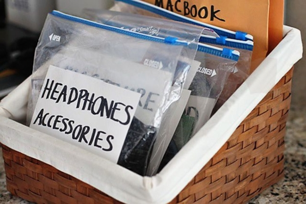 Ziploc Bags for Grouping Similar Cords Together and Labeling That Group // 7 Ways to Label Your Cords and Cables // simplyspaced.com