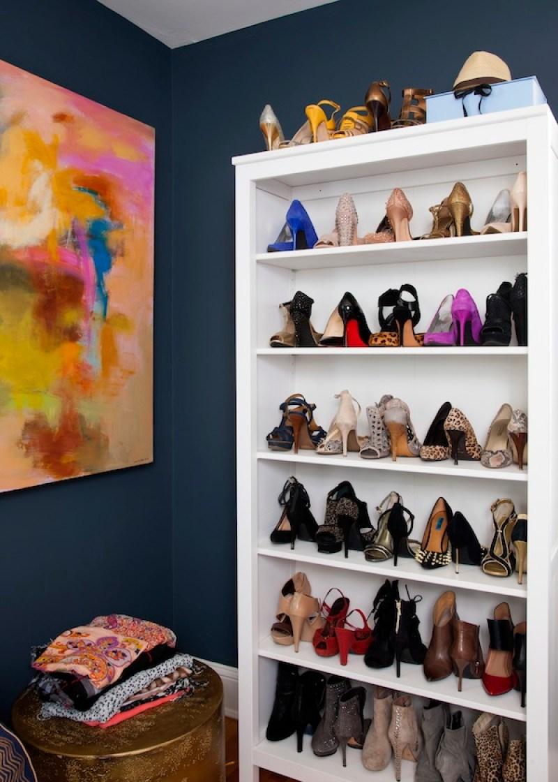 Shoe storage // Organized closets // closet organizing // shoe storage // how to organize your shoes // shoe storage ideas // sleek home design ideas // shoe storage // entryway storage // shelving // www.SimplySpaced.com