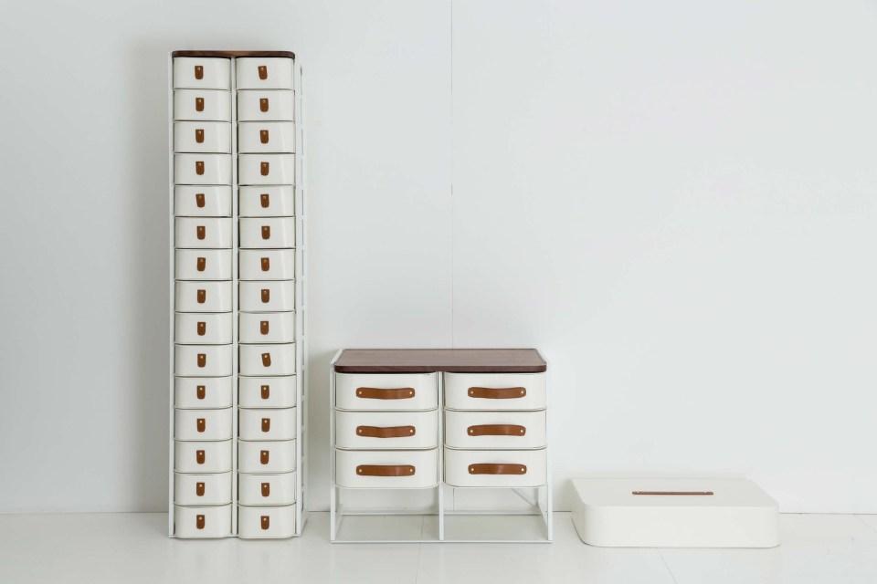 Organized closets // closet organizing // how to organize your shoes // shoe storage ideas // sleek home design ideas // shoe storage // high end shoe boxes // www.SimplySpaced.com