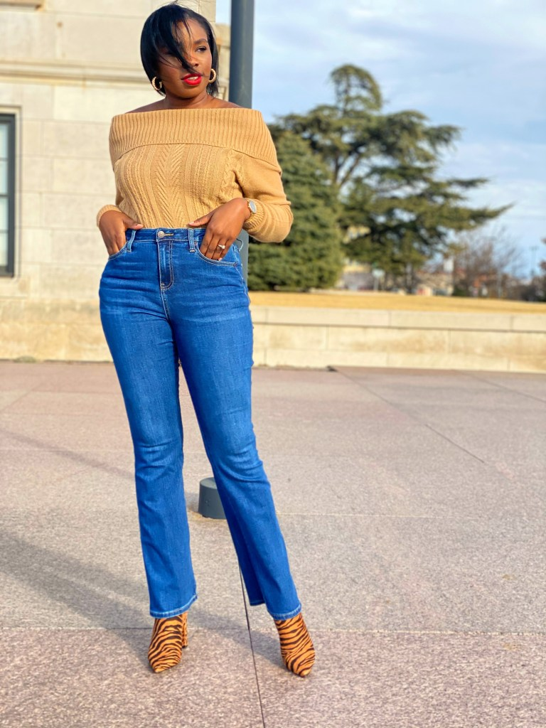 chic denim look