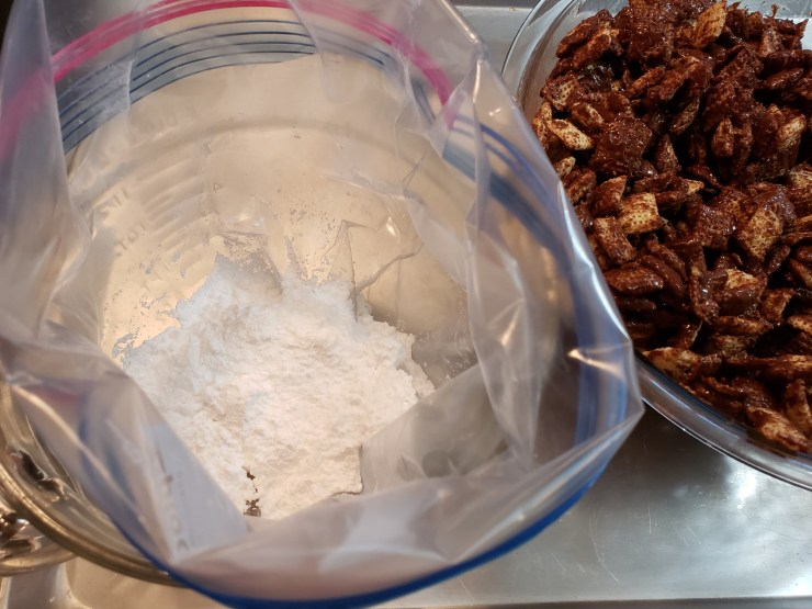 A gallon baggie with powdered sugar