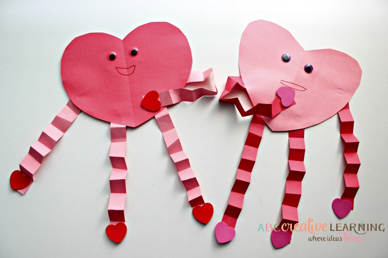 Easy Valentine's Day Heart Craft Kids Craft - simplytodaylife.com