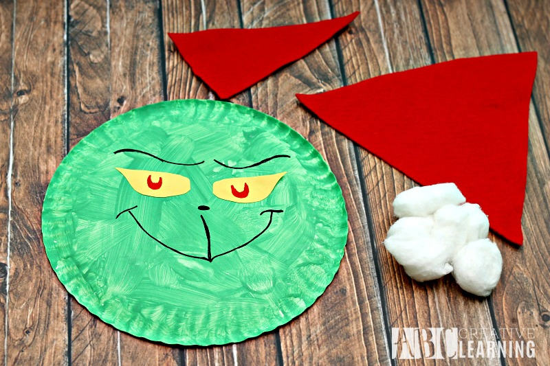 Grinch Paper Plate Craft pieces