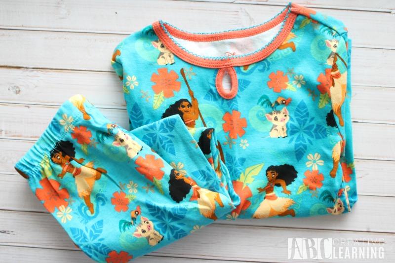 moana-holiday-gift-guide-moanaevent-pajamas