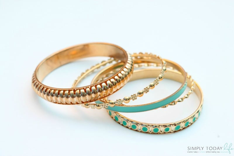 Mastering The Busy Mom Look With These 5 Must Have Items - Gold and Green Bracelet